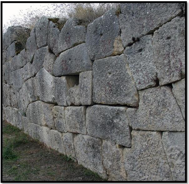 Cyclopean-Ruins-Alba-Fucens-3