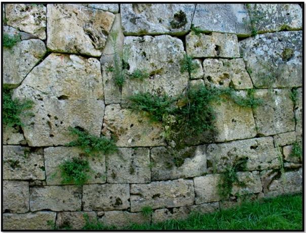 Cyclopean-Ruins-Cosa-4