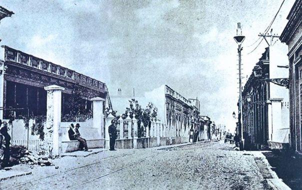Cañada, en el cruce de la actual Av. Colón 1888