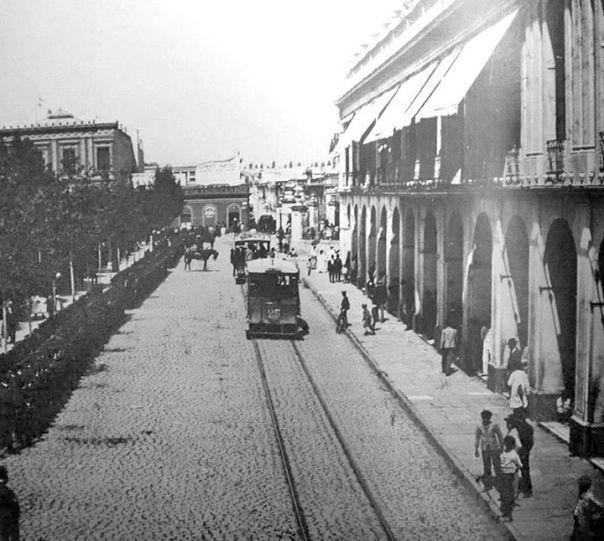 Independencia frente al Cabildo Foto del año 1910