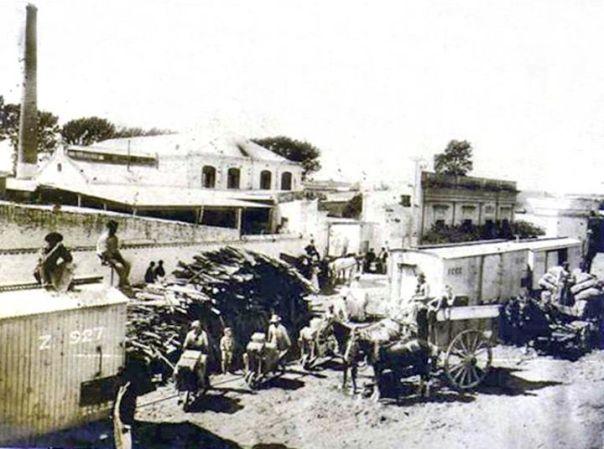 Papelera 'La Nueva Argentina' en Barrio General Paz a fines del siglo XIX, ubicada entre las calles Arenales, Rosario de Santa Fe, Américo Vespucio y León Morra