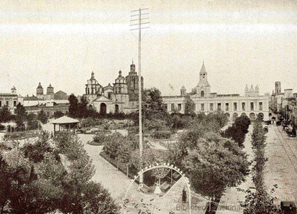 Plaza San Martín, la Catedral y el Cabildo comienzos siglo 20