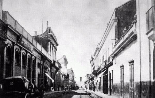 Primera cuadra de la calle San Martín. Año 1888