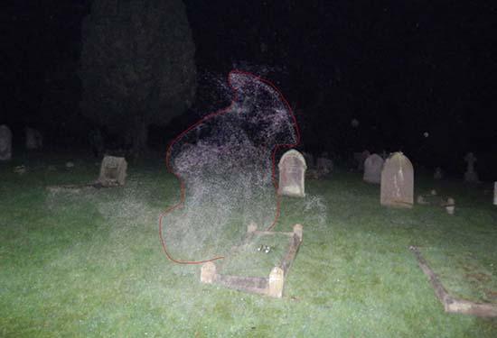 angel-de-la-muerte-en-un-cementerio-inglaterra