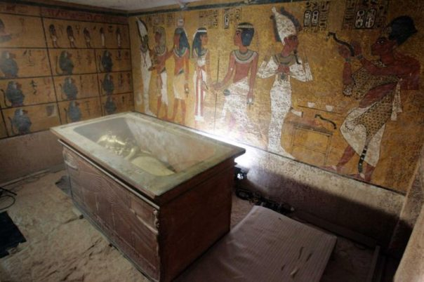 Portada-sarcofago-piedra